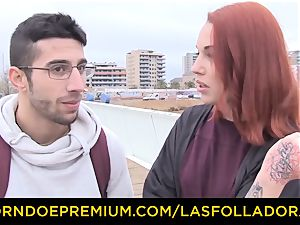 LAS FOLLADORAS - Silvia Ruby takes random fellow for hookup