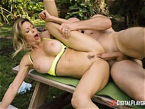 Alexis Fawx bashed outdoors by suspended JMac
