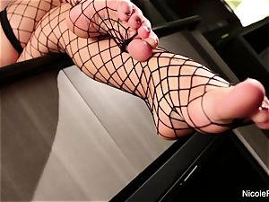 huge-titted towheaded Nicole gets her beautiful feet idolized