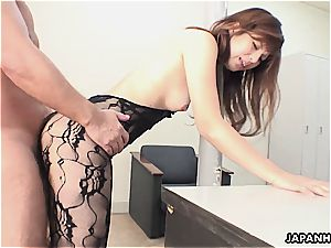 asian damsel makes her boss throb for her labia