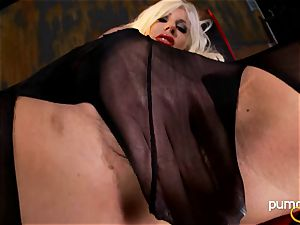 Puma Swede on the floor toying her cunt