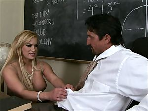 schlongs throating Shyla Stylez crunches a phat ample rock hard manmeat with delectation