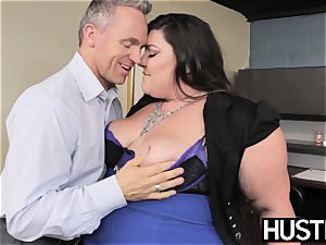 bbw queen Bella Bendz arched over and romped rock-hard
