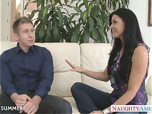 dark-haired India Summer gets labia nailed