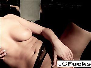 An artful sight into how Jayden Cole makes herself cum