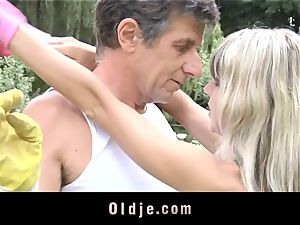 Gina Gerson gets assfuck from an aged dude