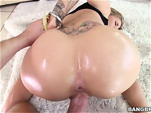 Jessa Rhodes is oiled up and prepped to be pulverized