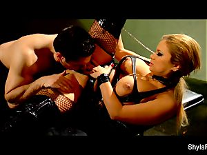 buxom Shyla Stylez gets a supreme assfuck romping