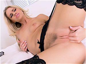 Jessa Rhodes jerks in wondrous black lingerie