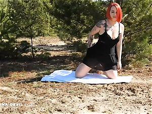 Outdoor Striptease Nina satan