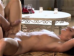 India Summers India Summers is enjoying the phat stiffy pleasing her torrid muff har