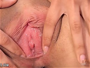 Maya Bijou gropes her twat fine