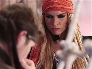 bukkake facial for luxurious pirate Keira Nicole