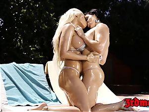 naughty lesbos frigging and slurping muff outdoors