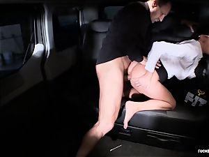 screwed IN TRAFFIC - Czech brown-haired enjoys sizzling car hump