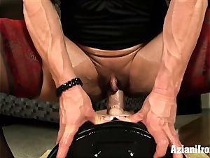 fitness models faux-cock Vs sybian who does it finer