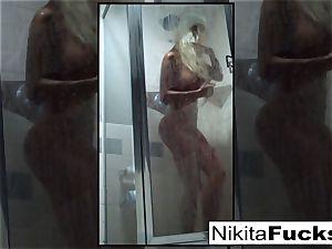 Nikita's jaw-dropping home flick
