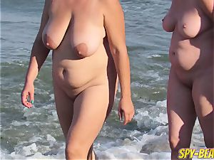 Mature nude Beach spycam cougar inexperienced Close Up pussy