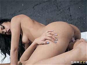 Sophia Leone gobbling out her acquaintance