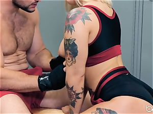 JMac delves his trunk deep into super hot blondie in locker apartment