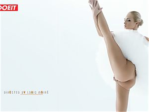 Czech ballerina stretches before powerful orgy with lover