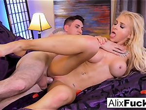Alix Lynx milks Brad's man meat with her beaver and gullet